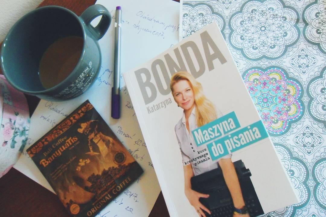 Katarzyna Bonda – Maszyna do pisania