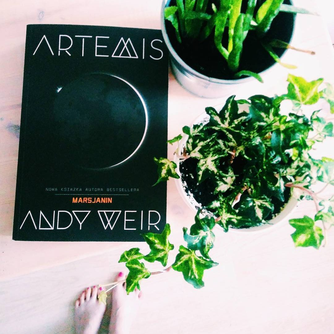 "Andy Weir — ""Artemis"""