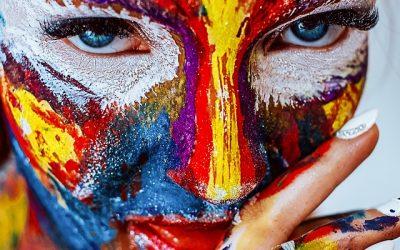 Jak wyzwolić w sobie kreatywność? 10 sposobów na to, by codziennie wpadać na genialny pomysł!